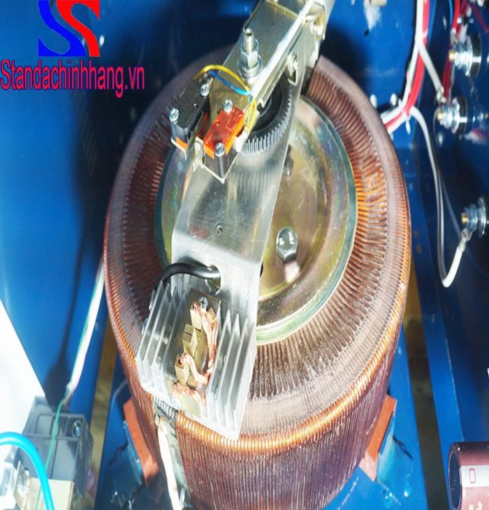 Hình ảnh chổi than của ổn áp standa 5kva điện áp từ 90 đến 250v