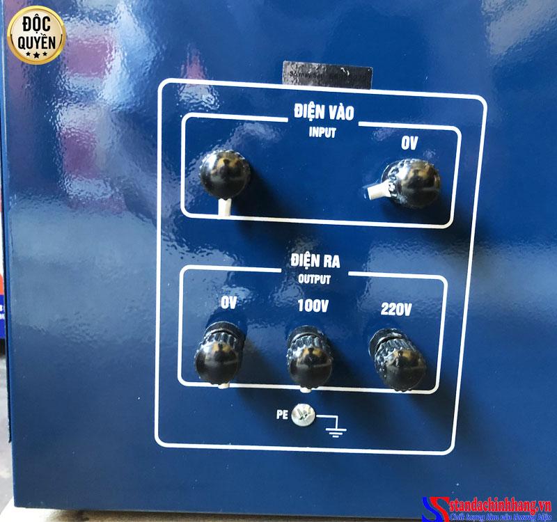 ảnh chi tiết mặt sau Ổn áp STanda 7.5KVA dải 50V chính hãng Redsun